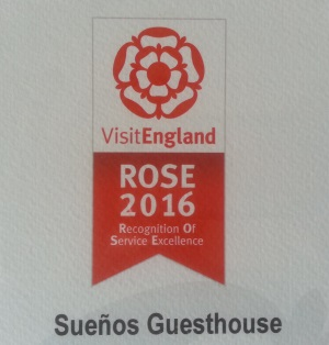 visit-england-rose-award-slide